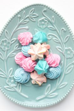 Easter meringue kisses, little bites of heaven. Easter egg plate from Bed, Bath n Table