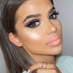 "Last post of yesterday's makeup Eyeshadow: @tartecosmetics Tarelette Amazonian Clay Matte Palette | Clay Pot Waterproof Shadow Liner ""mint"" Liner: @tartecosmetics Tarteist Clay Paint Liner Lashes: @shopvioletvoss ""eye da hoe"" Brows: @tartecosmetics Amazonian clay waterproof brow mousse ""medium brown"" Foundation: @ofracosmetics Absolute Cover silk peptide foundation #4.5 Concealer: @tartecosmetics Shape Tape Contour Concealer Highlighter: @ofracosmetics ""Beverly Hills"" Contour: @bhcosmet..."