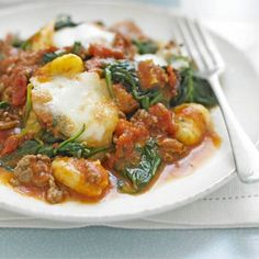Gnocchi Bolognese With Spinach Recipe Main Dishes with lean minced beef, olive oil, tomatoes, Italian herbs, gnocchi, reduced fat mozzarella, spinach