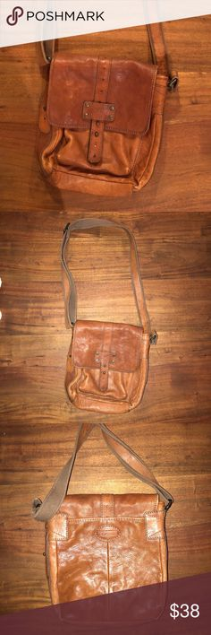 Fossil Brown Leather Crossbody Purse Fossil purse. Great condition on the outside but stained at the bottom on the inside Fossil Bags Crossbody Bags