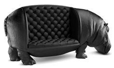 В этот шикарный кожаный диван от дизайнера Максимо Риеры невозможно не влюбиться.