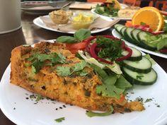 """Zu Besuch im vegetarischen Restaurant """"Symbiose"""" auf unserer Kultstraße - die Karli. https://gourmetunicorns.com/2017/06/15/symbiose-leipzig/"""