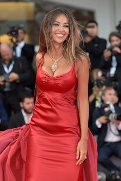 Madalina Ghenea in Red Carpet. Veneziano 2020 Go Red, Lady In Red, Red Carpet, Beautiful Women, Bodycon Dress, In This Moment, Formal Dresses, Clothes, Outfits