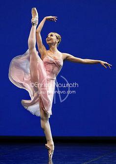 "Evgenia Obraztsova (Bolshoi Ballet).../George Balanchine's ""Tchaikovsky Pas de Deux""..."