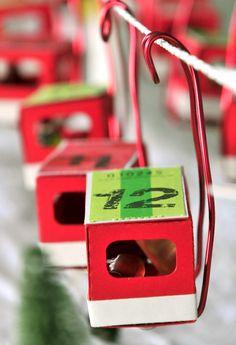DIY: Seilbahn Wertmarken Adventskalender - Funicular Advent Calendar - by miss red fox - with link for downloading the template