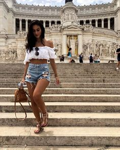 In Love with Roma - Travel Trends Rome Outfits, Italy Outfits, Fashion Outfits, Stylish Outfits, Vacation Outfits, Summer Outfits, Travel Outfit Summer, Tourist Outfit, Rome Photography