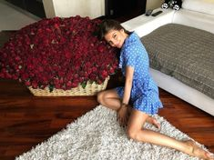 Bouquet Box, Shag Rug, Russia, Instagram, Dresses, Decor, Flowers, Fashion, Shaggy Rug