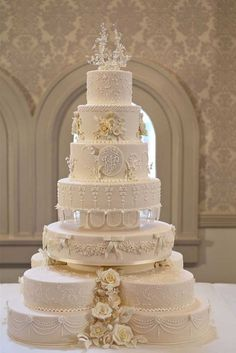 Royal Wedding Recreations In Sydney The replica wedding cake displayed at the Queen Victoria Building on May 2011 in Sydney, Australia. Woman's Day Australia assembled a team that worked throughout the weekend to recreate aspects from the Royal Wedding Ivory Wedding Cake, Pretty Wedding Cakes, Amazing Wedding Cakes, Elegant Wedding Cakes, Wedding Cake Designs, Royal Wedding Cakes, Trendy Wedding, Wedding Shoes, Pictures Of Wedding Cakes