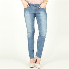 Le denim : Une couleur de jean idéle à porter avec tous les hauts tie