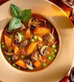 Quick Recipes & Kitchen Tips: savory beef stew