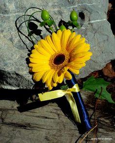Yellow gerbera daisy #boutonniere