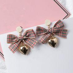 Ear Jewelry, Cute Jewelry, Bridal Jewelry, Kawaii Accessories, Jewelry Accessories, Jewelry Design, Cute Earrings, Beaded Earrings, Fashion Earrings