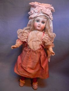 Antique French type Mystery Doll from ~ FRENCH FANFAIRE AND MORE ~ found @Doll Shops United http://www.dollshopsunited.com/stores/jouets/items/1298616/Antique-French-type-Mystery-Doll #dollshopsunited