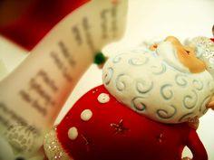 """Ormai non c'è più tempo per cercare regali, Natale è domani. Ma forse un suggerimento (di Oren Arnold) ci può ancora stare ed è decisamente importante :)  """"Alcuni suggerimenti per un regalo di Natale: perdono per un tuo nemico, tolleranza per un tuo avversario, il tuo cuore per un tuo amico, un buon servizio per un tuo cliente. Carità per tutti e buon esempio per i bambini. Rispetto per te stesso.[...]""""  #OrenArnold, #regalidinatale, #lista, #italiano,"""
