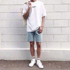 4 All Time Best Useful Ideas: Classy Urban Fashion Summer Outfits urban fashion style cyberpunk.Urban Fashion Streetwear Coats urban fashion for men Urban Fashion Summer. Summer Outfits Men, Outfits Casual, Mode Outfits, Guy Outfits, Men Summer, Summer Winter, Summer Hats, Casual Jeans, Jean Outfits