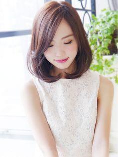 【ヘアジュレドゥ小澤】 クールエレガントが可愛い~ボブディ/hair jurer deux【ヘア ジュレ ドゥ】をご紹介。2016年秋の最新ヘアスタイルを100万点以上掲載!ミディアム、ショート、ボブなど豊富な条件でヘアスタイル・髪型・アレンジをチェック。 Short Permed Hair, Asian Short Hair, Hair Inspo, Hair Inspiration, Medium Hair Styles, Short Hair Styles, Hair Reference, Bob Styles, Natural Curls