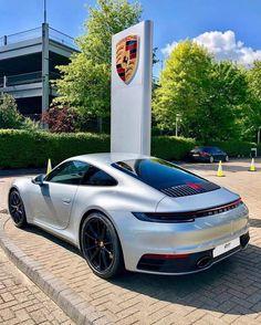992 Porsche 911 Carrera Tag someone that needs to see this! Porsche 911 Carrera 4s, Porsche Sports Car, Porsche Club, New Porsche, Bmw, Mazda, Porche 911, Tarzan, Lamborghini