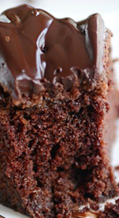 Chocolate Fudge Sour Cream Bundt Cake ~ Rich,moist and decadent with thick, fudgy frosting . and not for the chocolate faint of heart! Cake Recipe With Sour Cream, Sour Cream Chocolate Cake, Sour Cream Cake, Chocolate Bundt Cake, Chocolate Desserts, Chocolate Muffins, Cakes To Make, Pie Cake, No Bake Cake