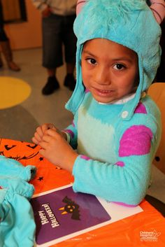 We saw it all this #Halloween…princesses, super heroes, monsters and creatures! The patients and families at Children's Hospital Los Angeles got into the Halloween spirit with the help from nurses, child life specialists and hospital volunteers. There were little Halloween costume boutiques on inpatient floors so kids could choose and forget that they are in a hospital.