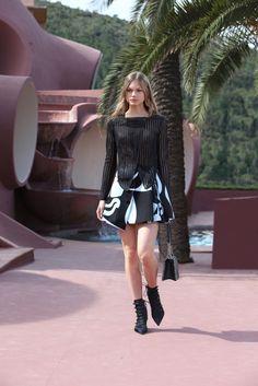 Christian Dior Resort 2016 Fashion Show - Annika Krijt