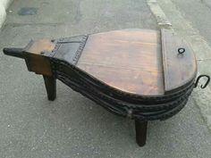 Foli de mesa em madeira e couro