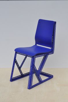 Sébastien Laurent Renard / Studio KWA Steel Plywood Rubber h 890 x l 410 x p 600