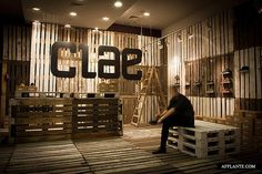 CLAE Footwear Shop :: mode:lina.  Secondary use for euro pallets.