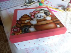 caixa decorada com decoupage