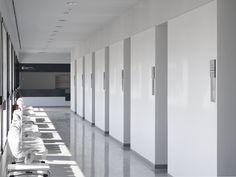 Consultorio Médico Cortes / Iñigo Esparza Arquitecto