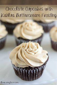Chocolate Cupcakes with Kahlua Buttercream Frosting #SundaySupper via flouronmyface.com #dessertfoodrecipes