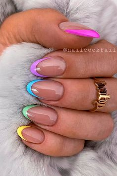 Ongles Gel French, French Tip Acrylic Nails, French Tip Nail Designs, Almond Acrylic Nails, Best Acrylic Nails, French Tip Design, Cute Gel Nails, Chic Nails, Funky Nails