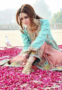Maya Ali, Pakistani Actress and Model, Bridal Jewelry, foot jewelry Pakistani Party Wear Dresses, Pakistani Outfits, Indian Dresses, Maya Ali, Girls Party Wear, Party Kleidung, Pakistani Couture, Pakistan Fashion, Vogue
