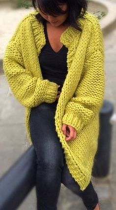 Изображение IMG 2878 в альбоме Girls pullover stricken pullover stricken pullover stricken Hello, Start knitting the model of a man's cardigan that you can make for your wife, brother, children! Let's knit this knitting model that you will lo strickjacke Chunky Knitting Patterns, Crochet Cardigan Pattern, Knitting Wool, Knitting Designs, Knit Patterns, Start Knitting, Cardigan Outfits, Mohair Sweater, Knit Fashion