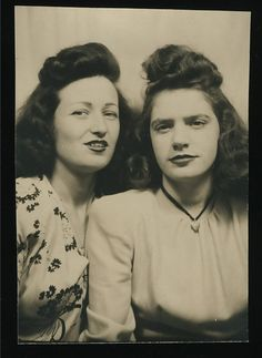 Great hair height and mixed expressions! Photo Booth c.1940s