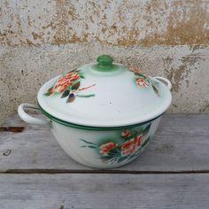Antique 1900 old French enameled tureen/ Soupiere /pan pot/soup pot/granitware/