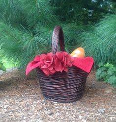 Girl's Little Red Riding Hood  Brown Wicker Basket by SewforYou, $19.50 Burlap Flowers, Red Flowers, Little Red Hood, Red Riding Hood Costume, Costume Accessories, Wicker Baskets, Photo Props, Paisley, Costumes