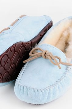 UGG Dakota Sheepskin Moccasin Slippers Ugg Snow Boots 0d20f9e69