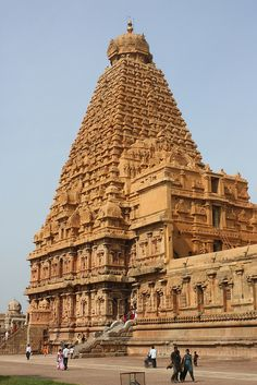 Brihadishwara Temple, Thanjavur (Tanjore/Stanmore), Tamil Nadu, India. Photo Arian Zwegers