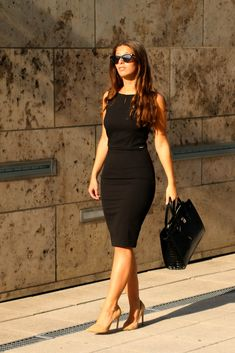 Dressy Outfits, Office Outfits, Work Outfits, Fashion Outfits, Zara Black Dress, Elegantes Outfit, Work Dresses, Cabin Crew, Classy Dress