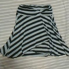 Striped comfy skirt Very comfy skirt w layering effect also shorter in front.  Can be dressy like photo #2 OR can be very casual if paired w a nice T-shirt or tank n pair of knee length leggings!! Joe Benbasset Skirts High Low