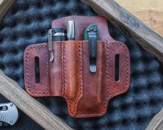 XL Knife + Flashlight - Leather EDC Sheath in Horween Dublin - Everyday Carry leather Pouch for Belt Loop Carry - XL Knife Flashlight Everyday Carry leather pouch for belt Leather Holster, Leather Pouch, Diy Leather Projects, Leather Crafts, Edc Belt, Moto Cafe, Leather Working, Everyday Carry, Bushcraft