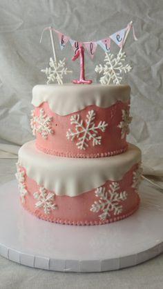 cool 33 Amazing Winter Wonderland Cake Theme Ideas  http://viscawedding.com/2018/01/23/33-amazing-winter-wonderland-cake-theme-ideas/