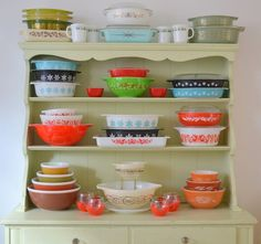 love vintage pyrex and corningware