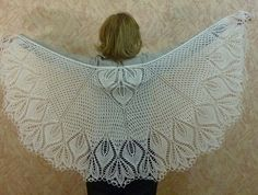 Ravelry: Project Gallery for 22 leaves shawlette pattern by Lankakomero Lace Shawls, Knitted Shawls, Knitting Projects, Knitting Patterns, Wedding Shawl, Cowls, Knits, Ravelry, Scarves