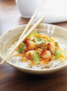 Ricardo's Recipe : Vietnamese Stir-Fried Scallops Shellfish Recipes, Seafood Recipes, Vegetarian Recipes, Healthy Recipes, Asian Noodle Recipes, Asian Recipes, Ethnic Recipes, Vietnamese Recipes, Grilled Seafood