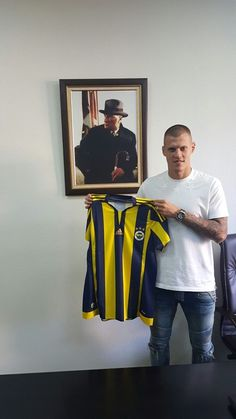 Martin Škrtel ( Fenerbahce Istanbul )