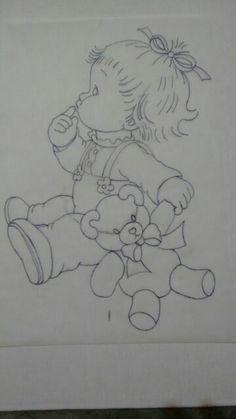 Menina sentada com urso Cidinha Martins tp