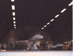 Hahn AB  F-16 in tab V