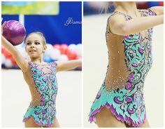 Rhythmic gymnastics leotard (photo by Akvarelki)