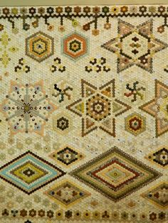 We made it to the Quilt Festival in Tokyo. Hexagon Quilt Pattern, Quilt Patterns, International Quilt Festival, English Paper Piecing, Quilt Making, Quilting Projects, Applique, Quilts, Tokyo